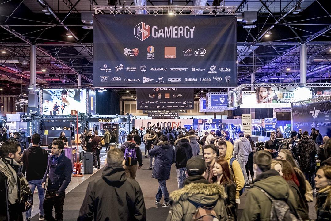 Cada año más publico asiste a la Feria de Madrid para disfrutar de los videojuegos y la competición. Gamergy de Invierno en 2017