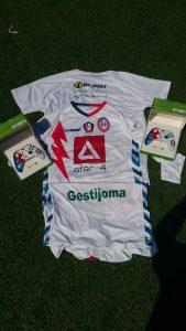 Camisetas y mandos del Rayo Majadahonda eSports.
