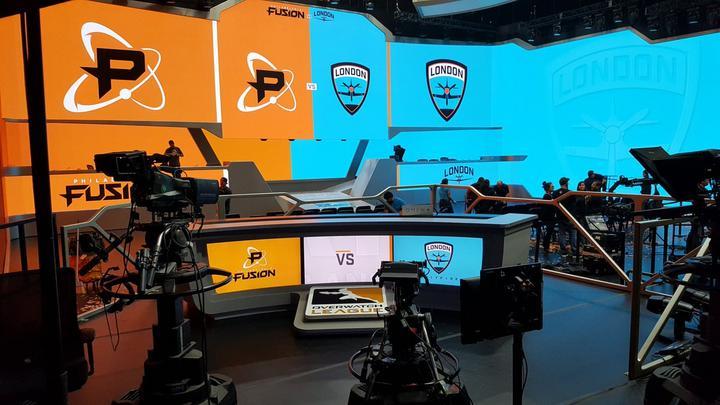 Blizzard Arena tras unas semifinales que dejan a London Spitfire y Philadelphia Fusion como finalistas.
