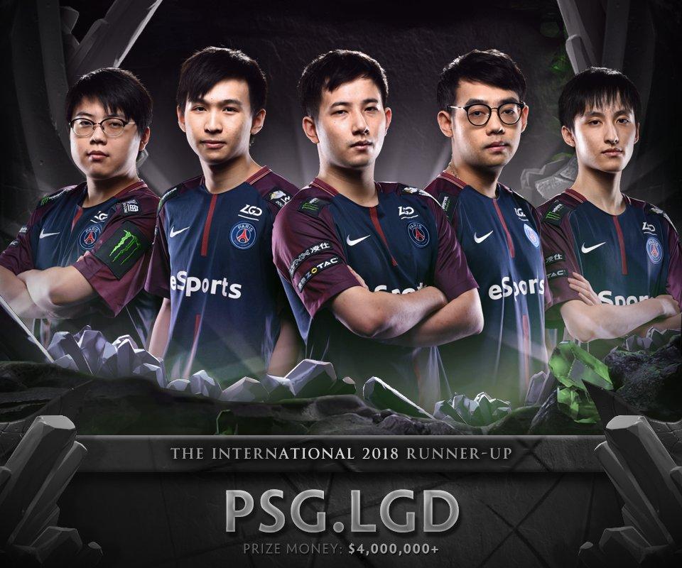 PSG.LGD consigue un segundo puesto en la final de The International 8. De izquierda a derecha: Chalice, xNova, fy, Somnus y Ame.