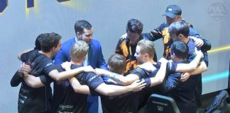 FNATIC celebrando la victoria frente a Cloud9 en las semifinales de Worlds 2018 de League Of Legends