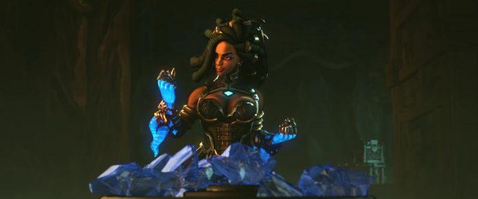 Imani canaliza su poder usando los guantes.