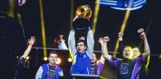Windigo alzando el trofeo de WESG. CS:GO. Fotografía de HLTV.org