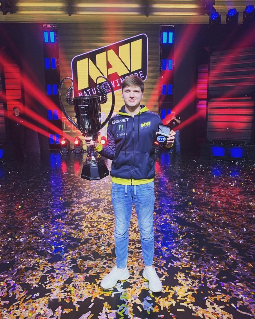 S1MPLE, MVP de StarSeries i-League Season 7.