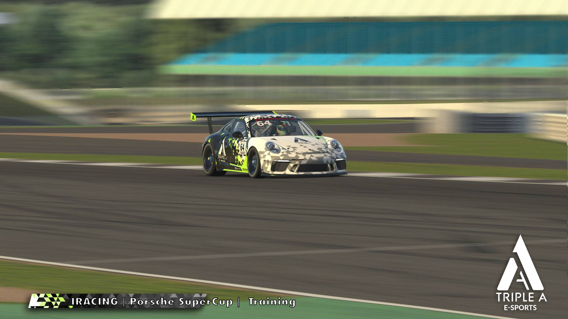 El Porsche de Triple A en Silverstone GP.