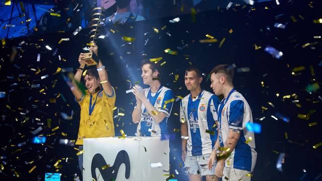 El Espanyol, con Nachitow, Stake y Zamué, celebra su victoria en la ESL Masters.